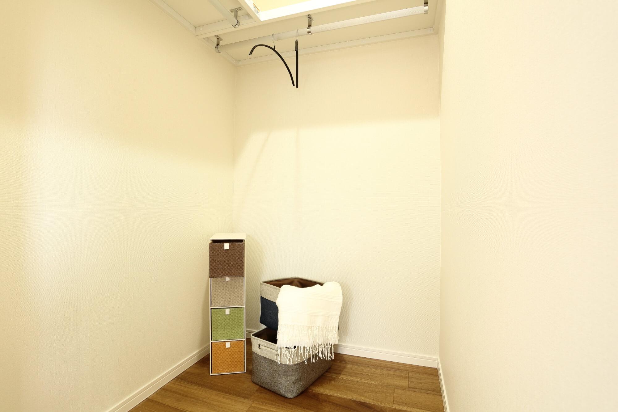 2階寝室7帖WIC